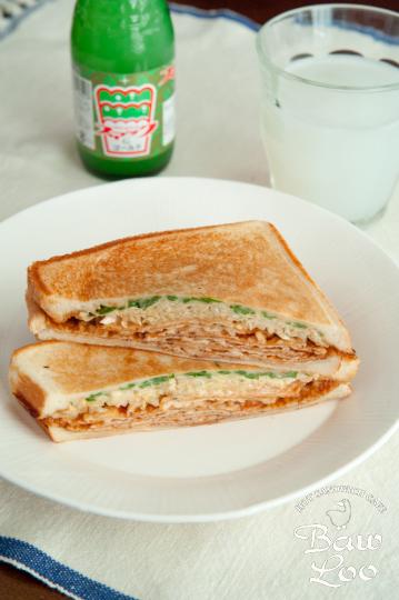 広島県・いか天のお好み焼きサンド